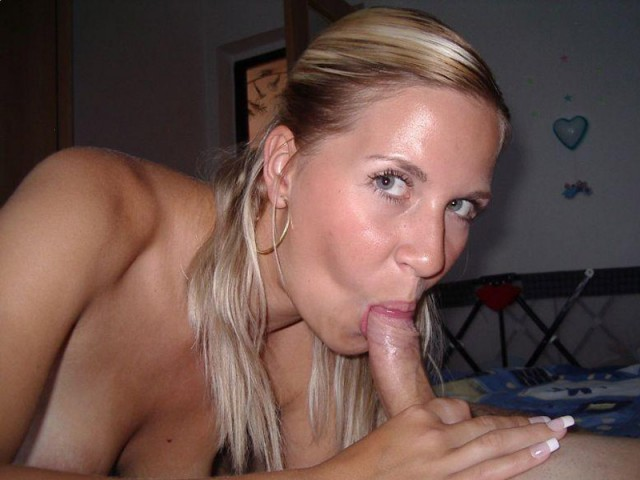 Wife blow job submitted amareur