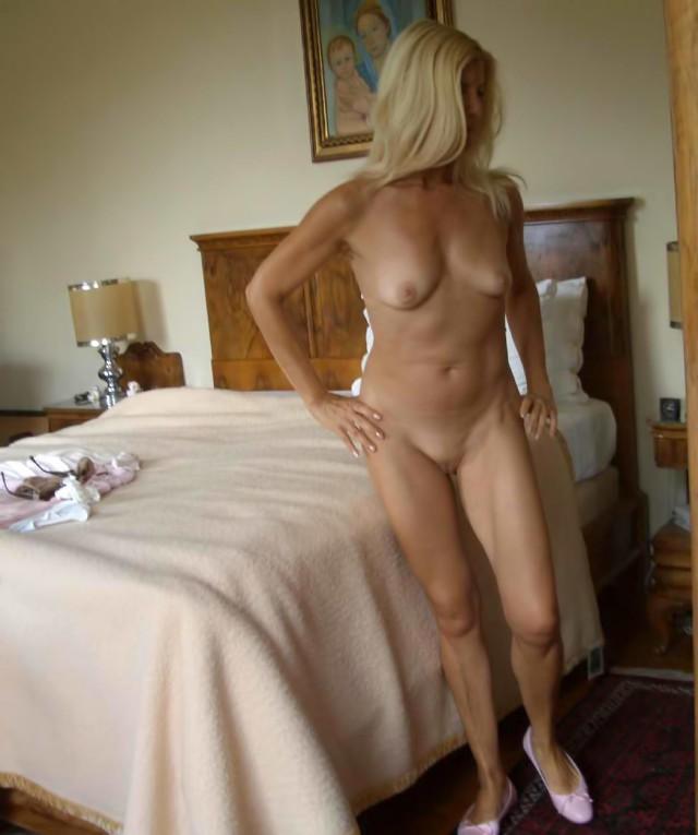 Italian wife naked